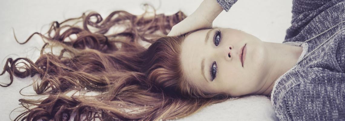 Kręcone włosy – jak pielęgnować? Porady