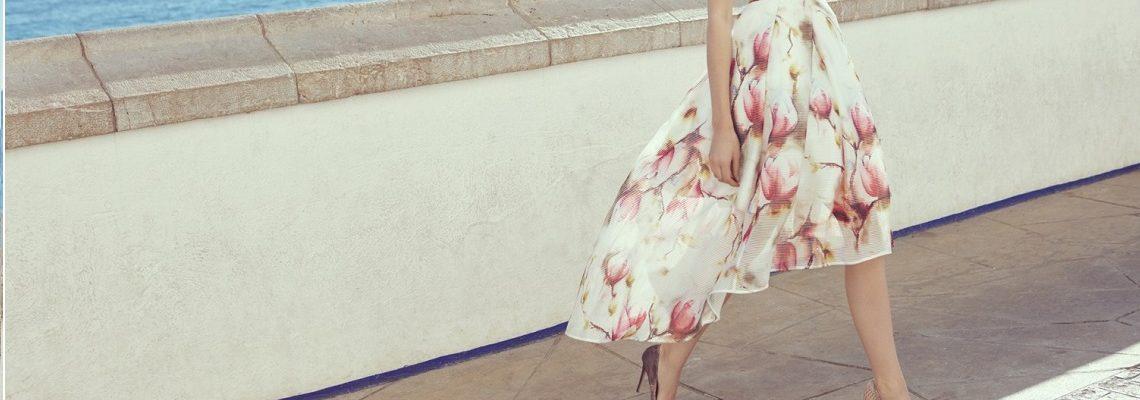 Długie spódnice – wiesz już, jak obejść się z nimi w tym sezonie?