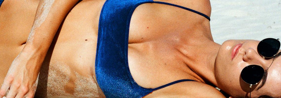 Modne kostiumy kąpielowe – zobacz najnowsze trendy!