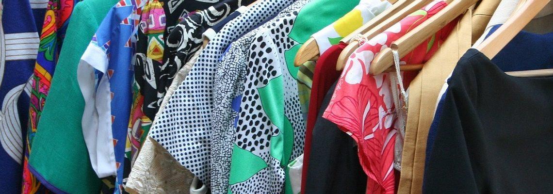 Tanie sukienki na lato – przegląd do 50, 100, 150 zł