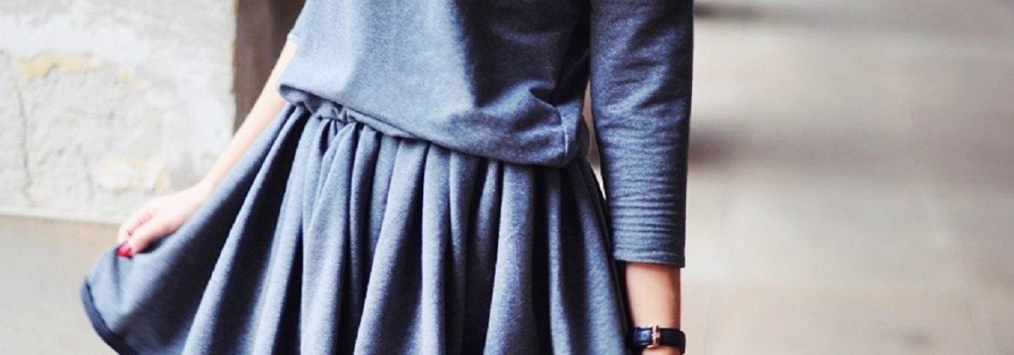 Sukienki dresowe w stylizacjach na co dzień